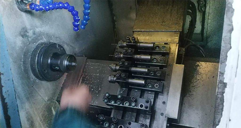 how-a-1-4-inch-spiral-nozzle-is-made_02