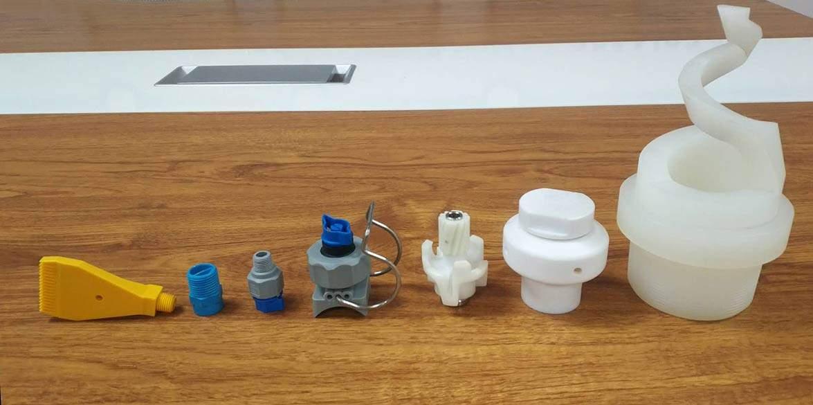 plastic-nozzle-compared-to-metal-nozzle